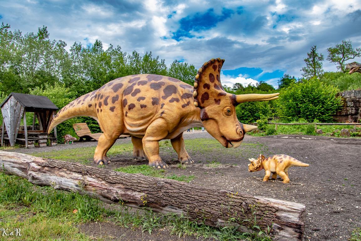 Die Dinos sind los – ein spannender Tag im Dinosaurierpark in der Teufelsschlucht (Eifel)