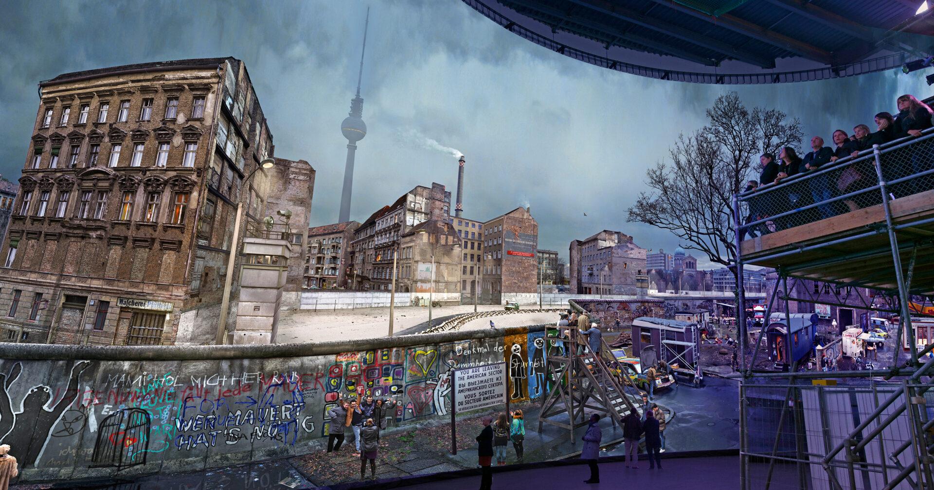 Asisi Panorama in Berlin: Die Mauer – Leben mit dem Todesstreifen